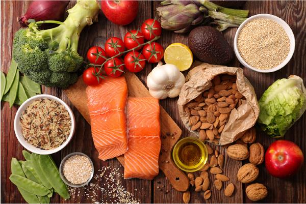 4 nhóm chất dinh dưỡng đảm bảo sức khỏe đội ngũ tuyến đầu chống dịch