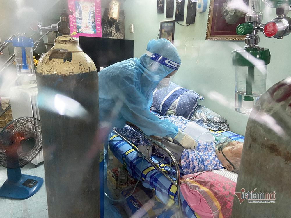 TP.HCM mua thêm 200.000 túi thuốc điều trị F0 tại nhà