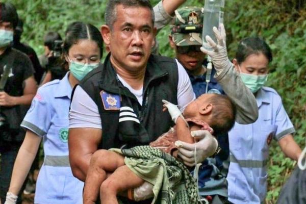 Bé gái hơn 1 tuổi sống sót kỳ diệu sau 3 ngày bị bỏ trong hang tối