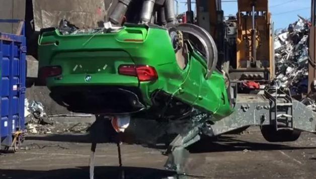 Ghép từ phụ kiện bị trộm, BMW M3 Touring bị cảnh sát nghiền nát