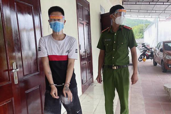 Đối tượng truy nã bị bắt khi qua chốt kiểm soát Covid-19 ở Thanh Hóa