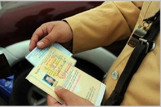 Giãn cách xã hội, bằng lái xe hết hạn có bị xử phạt?