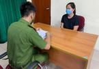 Khởi tố người phụ nữ uống rượu, tấn công cảnh sát trực chốt ở Hà Nội