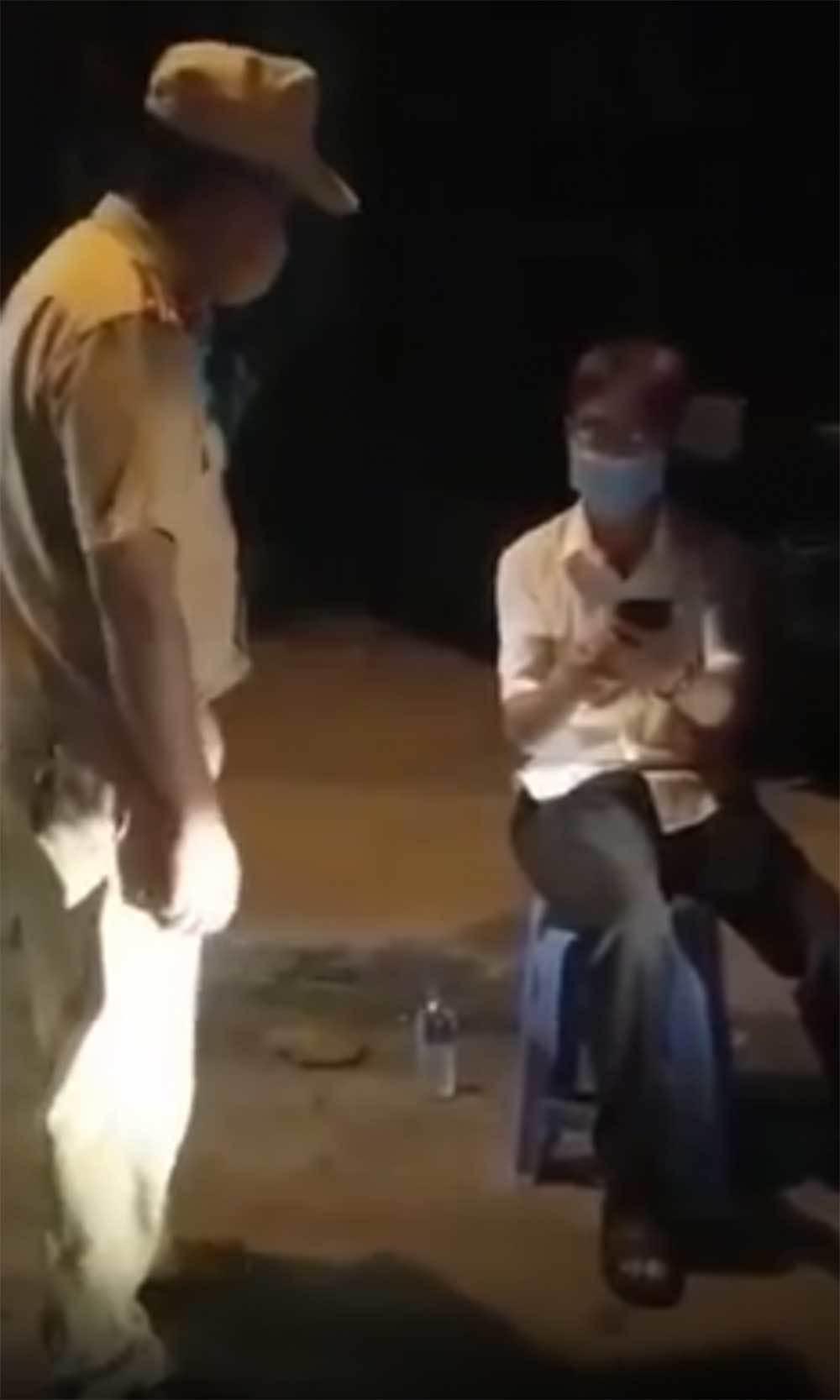 Một huyện ủy viên uống rượu, đi vào đường cấm bị đề nghị xử lý