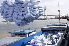 """Mở """"luồng xanh"""" đường thuỷ nội địa khơi thông vận chuyển lúa, gạo"""