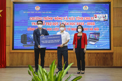 CMC trao tặng 3.600 máy tính bảng cho học sinh khó khăn