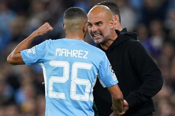 Pep Guardiola mắng té tát các sao Man City dù thắng to