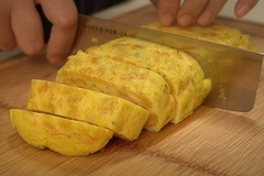 Cách làm trứng cuộn bắp