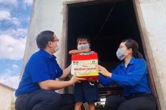 Bình Thuận: Trao tặng hàng nghìn cuốn sách đến trẻ em DTTS, hoàn cảnh khó khăn