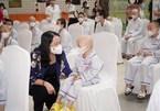 Phó Chủ tịch nước động viên, tặng quà bệnh nhi nhân dịp Tết Trung thu