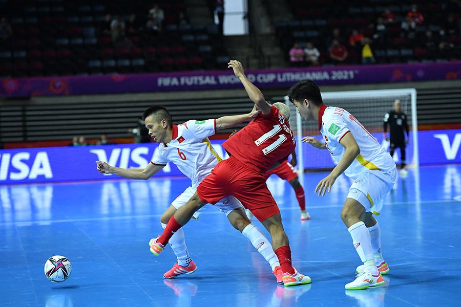 Bầu Tú: 'Tuyển futsal Việt Nam khó lấy vé vòng 1/8 World Cup'