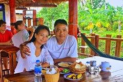 'Trốn nhà' đi xe máy xuyên Việt, cô gái bị bố phát hiện và cái kết không tưởng