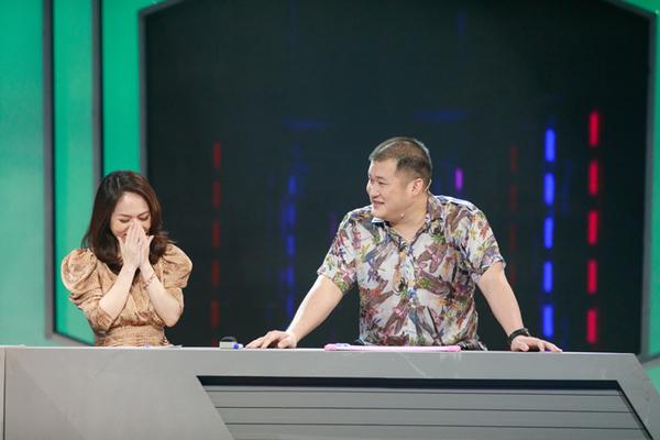 MC Thư Hiền VTV cười trừ vì đọc sai câu tiếng Việt không dấu