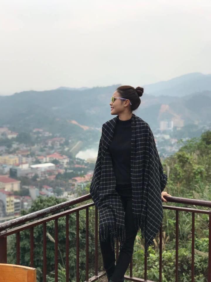 Vợ kém 20 tuổi xinh đẹp, gợi cảm của Chí Anh