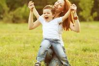 Mẹ đơn thân có ý định tái hôn, gia đình người yêu là trai tân vui vẻ chấp nhận nhưng người thân lại đồng loạt phản đối