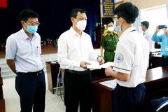 Bệnh viện trao học bổng đỡ đầu cho học sinh có cha, mẹ mất vì Covid-19