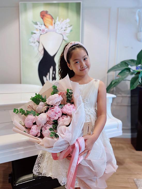 Con gái 12 tuổi, cao 1,55m giống diễn viên Mạnh Trường như đúc