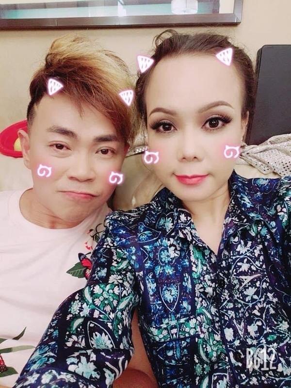 Danh hài Hoài Tâm: Từ diễn viên tay ngang đến bị đồn yêu Việt Hương