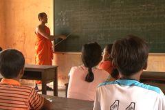 Nỗ lực bảo tồn, phát huy ngôn ngữ nói và viết của các dân tộc thiểu số