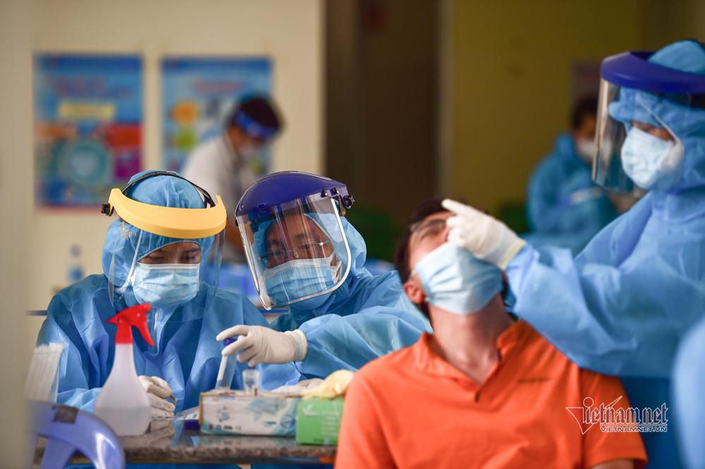 TP.HCM đề nghị Bộ Y tế cấp 10 triệu bộ kít xét nghiệm nhanh
