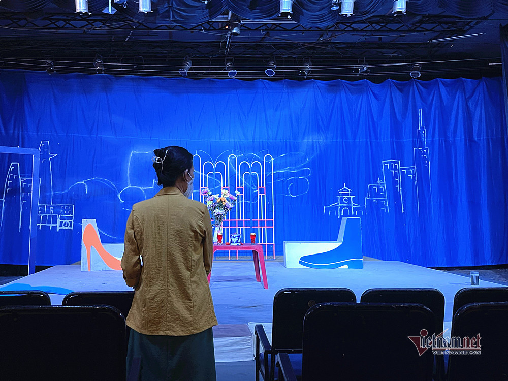 Ngày Giỗ Tổ sân khấu vắng lặng