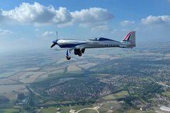 Máy bay điện của Rolls-Royce hoàn thành chuyến bay đầu tiên ở Anh