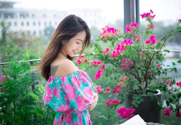 MC Thanh Vân Hugo ngọt ngào qua ống kính của chồng đại gia