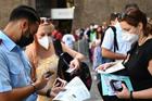 Sống chung với virus: Kinh nghiệm 'lạ' của Italia, Đức, Đan Mạch