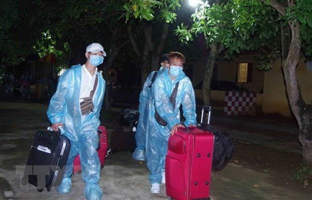 Hưng Yên tiếp nhận gần 200 công dân từ Singapore về cách ly tập trung