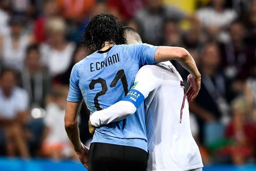 Cavani thế này, Ronaldo không tôn trọng mới lạ