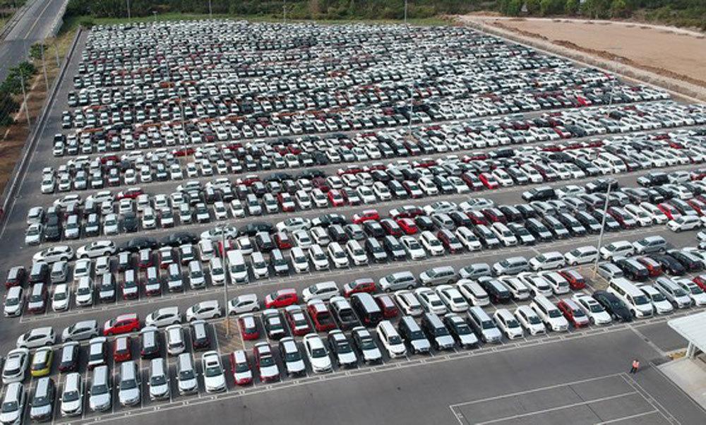Ế ẩm hiếm có: Ô tô tồn kho hàng vạn chiếc, nhà máy dừng sản xuất