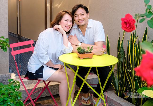 Quý Bình làm MV tặng sinh nhật bà xã doanh nhân
