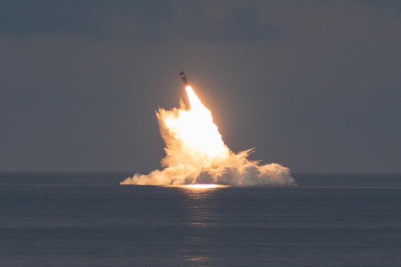 Mỹ thử tên lửa đạn đạo từ tàu ngầm giữa lúc bị Pháp tố 'đâm sau lưng'
