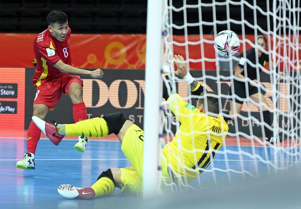 Chiếu chậm trận hòa quả cảm đưa futsal Việt Nam vào vòng 1/8 World Cup