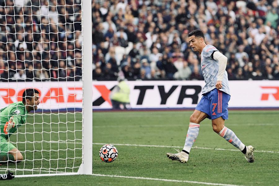 MU ngược dòng chiến thắng: Khi Ronaldo tiếp tục truyền lửa