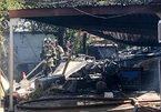Máy bay huấn luyện quân sự Mỹ bất ngờ đâm xuống nhà dân