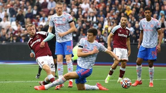 MU thắng, vì sao Solskjaer vẫn lo ngay ngáy Chelsea, Liverpool