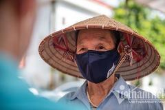 Hỗ trợ hộ nghèo, hộ cận nghèo ở Hà Nội gặp khó khăn do đại dịch
