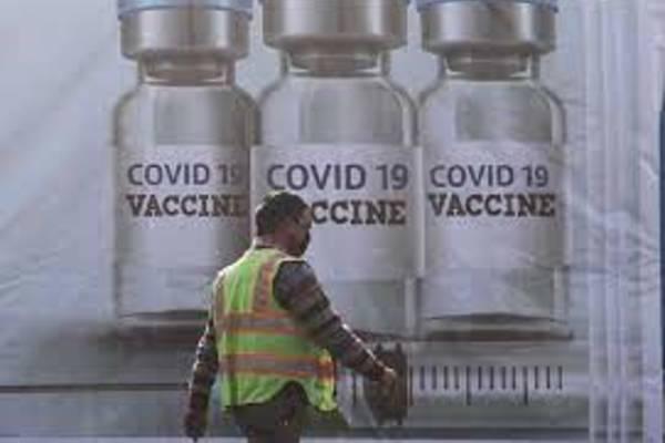 Ấn Độ sắp xuất khẩu vắc xin, Mỹ bỏ hạn chế đi lại với châu Âu