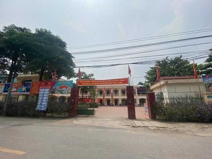 Kỷ luật chủ tịch, phó chủ tịch xã ở Hà Nội để đưa tang đông người lúc giãn cách