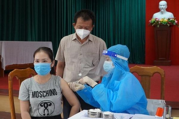 Kết luận sự cố cô giáo Quảng Bình tiêm 2 mũi vắc xin Covid-19  trong 10 phút