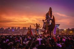 Lễ hội thần voi ở Ấn Độ thu hút hàng nghìn người tham gia bất chấp làn sóng Delta