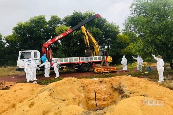 Không nơi hoả táng, lãnh đạo xã ở Quảng Bình tự tay chôn cất bệnh nhân Covid-19