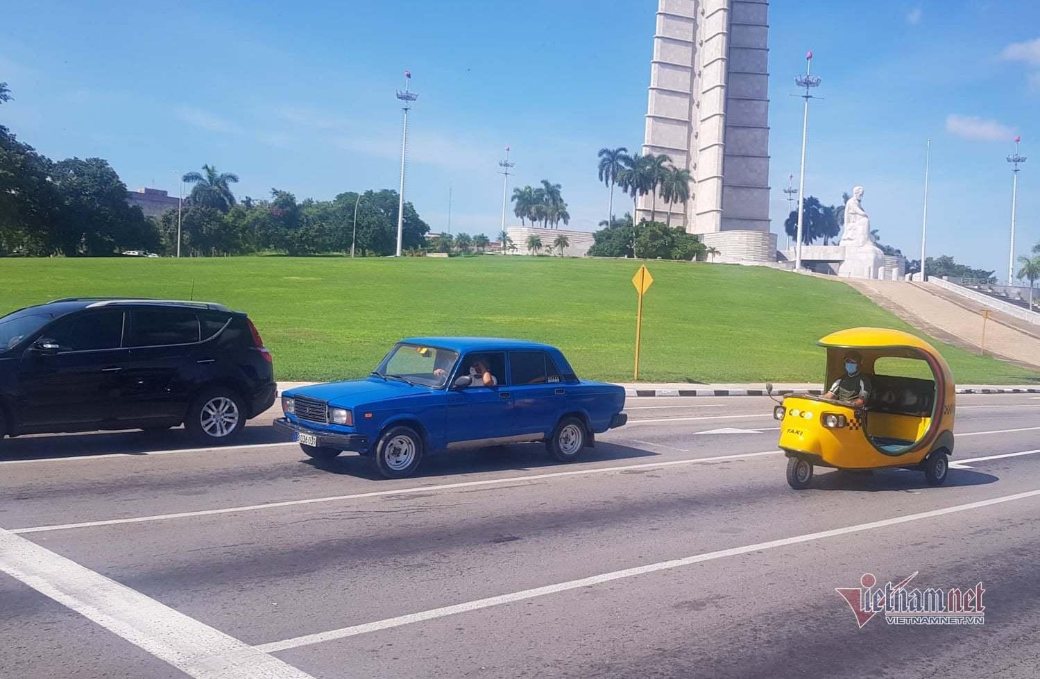Ngắm xe cổ Lada ở Cuba giá tới 30.000 USD