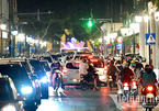 'Biển người' ở Hà Nội tối Trung thu: Sẽ phải trả giá đắt nếu dịch bùng lên
