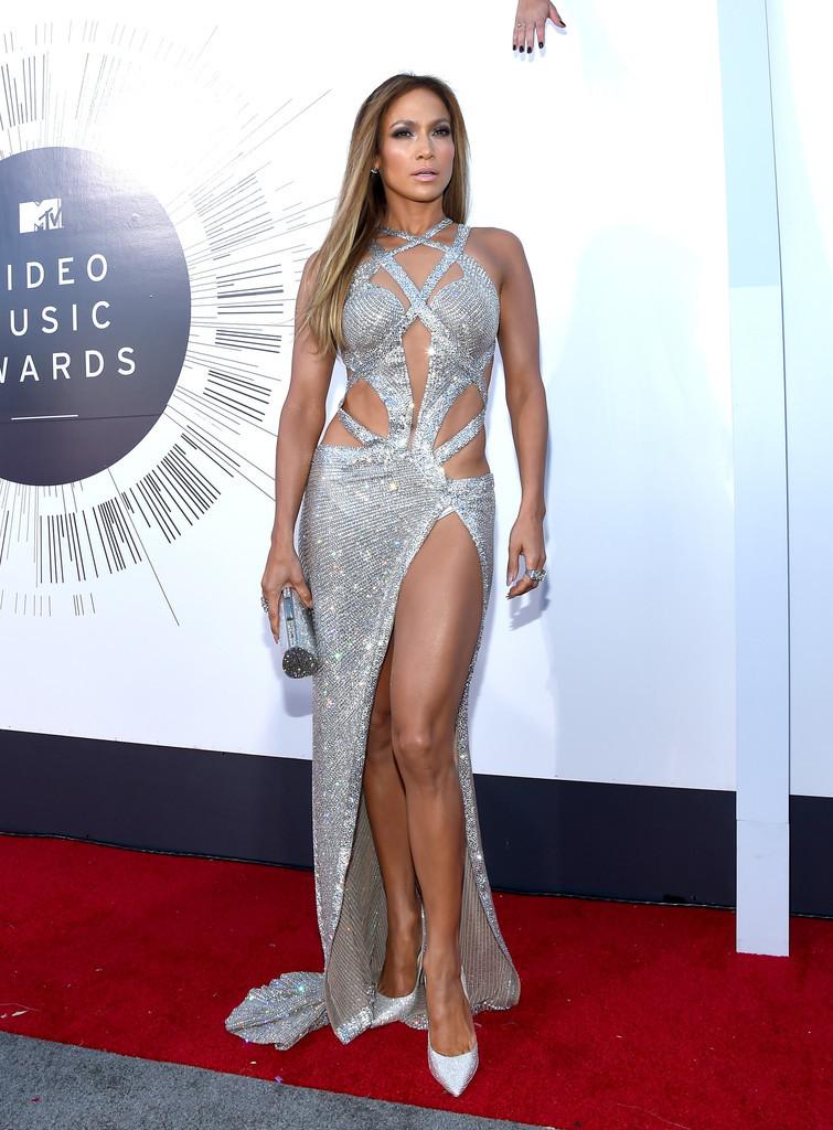 Những lần Jennifer Lopez hở bạo, khoe thân hình gợi cảm