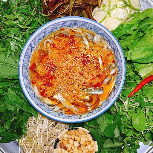 Món gỏi cá sống trăm năm tuổi 'ăn là nghiện' ở làng chài Đà Nẵng