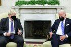 Video Thủ tướng Anh bất ngờ bị ngắt phát biểu trong cuộc gặp ông Biden