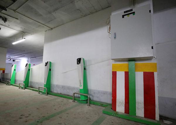 VinFast tung chính sách hỗ trợ 'phủ sóng' trạm sạc xe điện ở chung cư