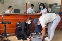 Thủy Tiên sáng rút 20 tỷ tiền mặt ở Sài Gòn, trưa rút 10 tỷ tại Huế, dân mạng phân tích 3 điểm bất thường
